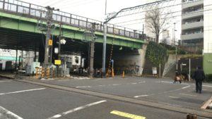 小田急線代々木八幡駅踏切